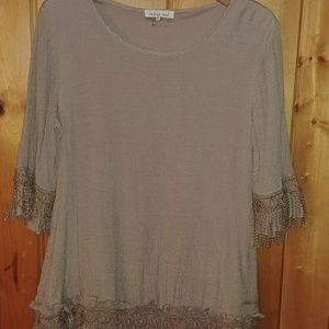 Lace trimmed, 3\4 sleeve , lined tunic